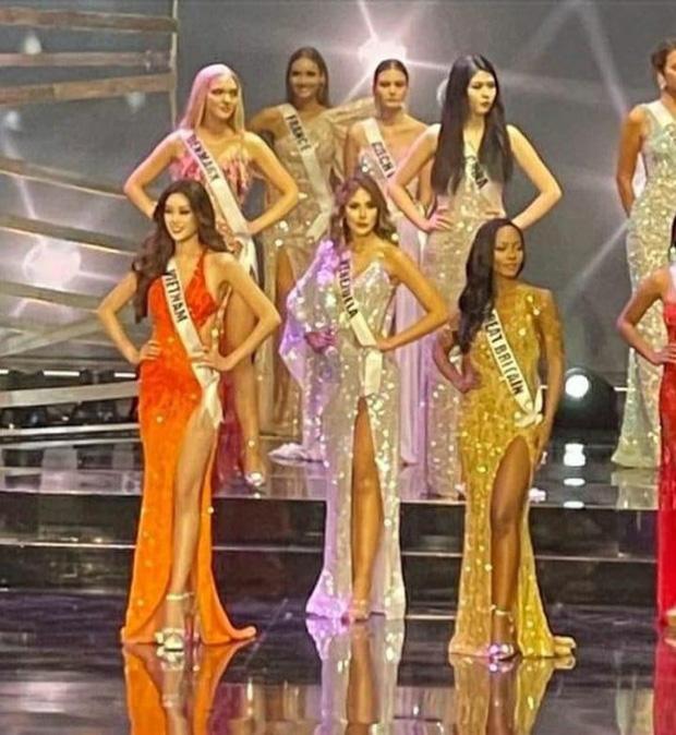 Trước Chung kết Miss Universe, lộ diện trang phục dạ hội mới của Khánh Vân, nhưng sao lại gây tranh cãi thế này?-2