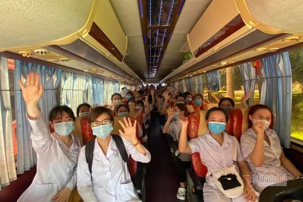 7 tiếng không ngơi nghỉ của thầy trò trường y tại điểm nóng Bắc Giang-4
