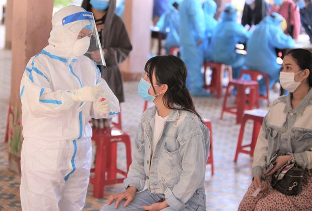 Trước khi có kết quả dương tính SARS-CoV-2, cô gái ở Đà Nẵng từng tổ chức đám cưới, đi nhiều nơi-1