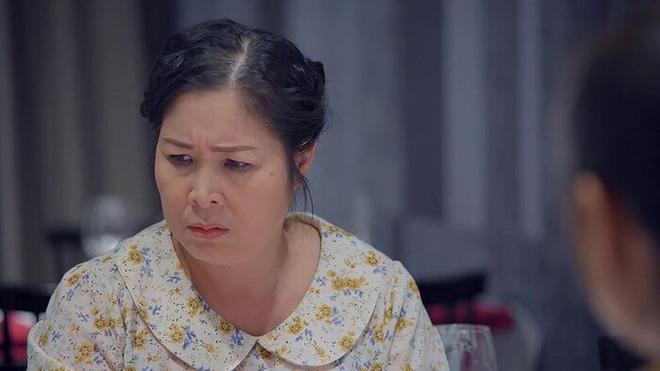 Bà Nguyễn Phương Hằng: Tôi sẽ lấy Hồng Vân ra thí điểm để làm gương cho nghệ sĩ khác-2