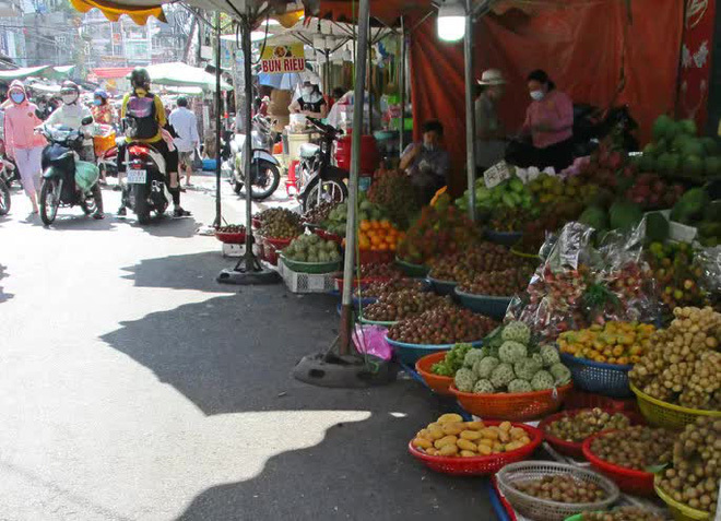 Nghịch lý xoài mút Trung Quốc bán chạy giữa lúc xoài Việt Nam thu hoạch rộ-2