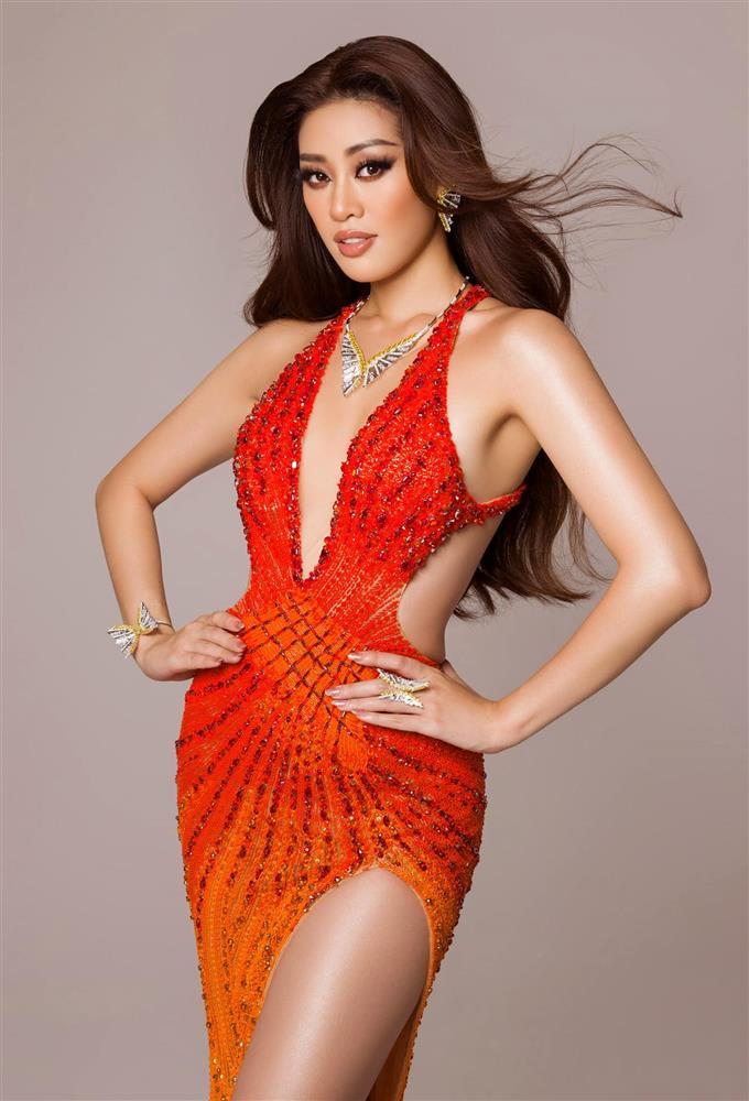 """Khánh Vân mặc váy Tái Sinh"""" tại chung kết Miss Universe 2020, netizen thắc mắc 1 điều về đôi giày-2"""