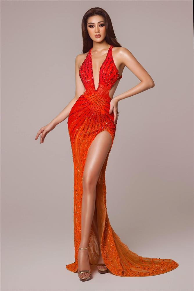 """Khánh Vân mặc váy Tái Sinh"""" tại chung kết Miss Universe 2020, netizen thắc mắc 1 điều về đôi giày-5"""