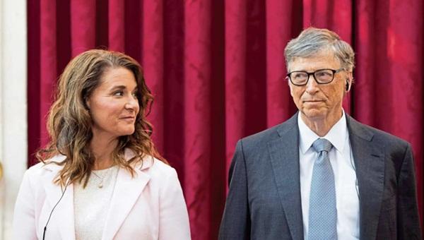 Tỷ phú Bill Gates gạ gẫm các nữ nhân viên trong nhiều năm, thừa nhận từng ngoại tình và tỏ thái độ khó chịu với vợ-1