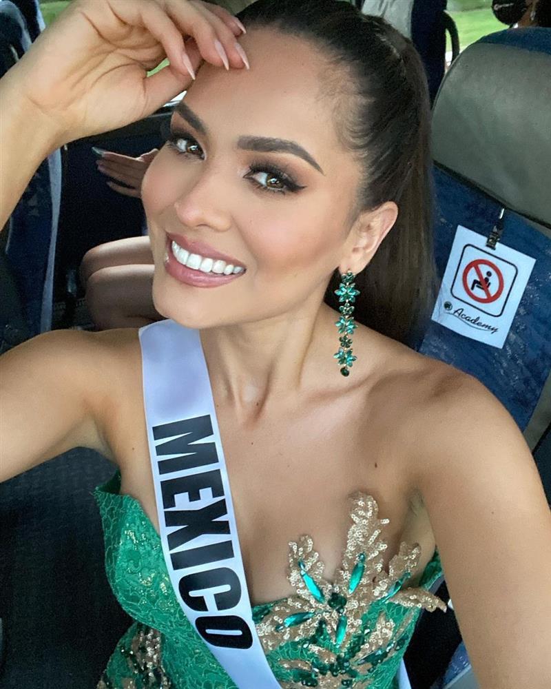 Style đời thường của Tân Hoa hậu Hoàn vũ Mexico: Chuẩn bánh bèo chúa khi diện toàn váy áo hoa lá hẹ-3