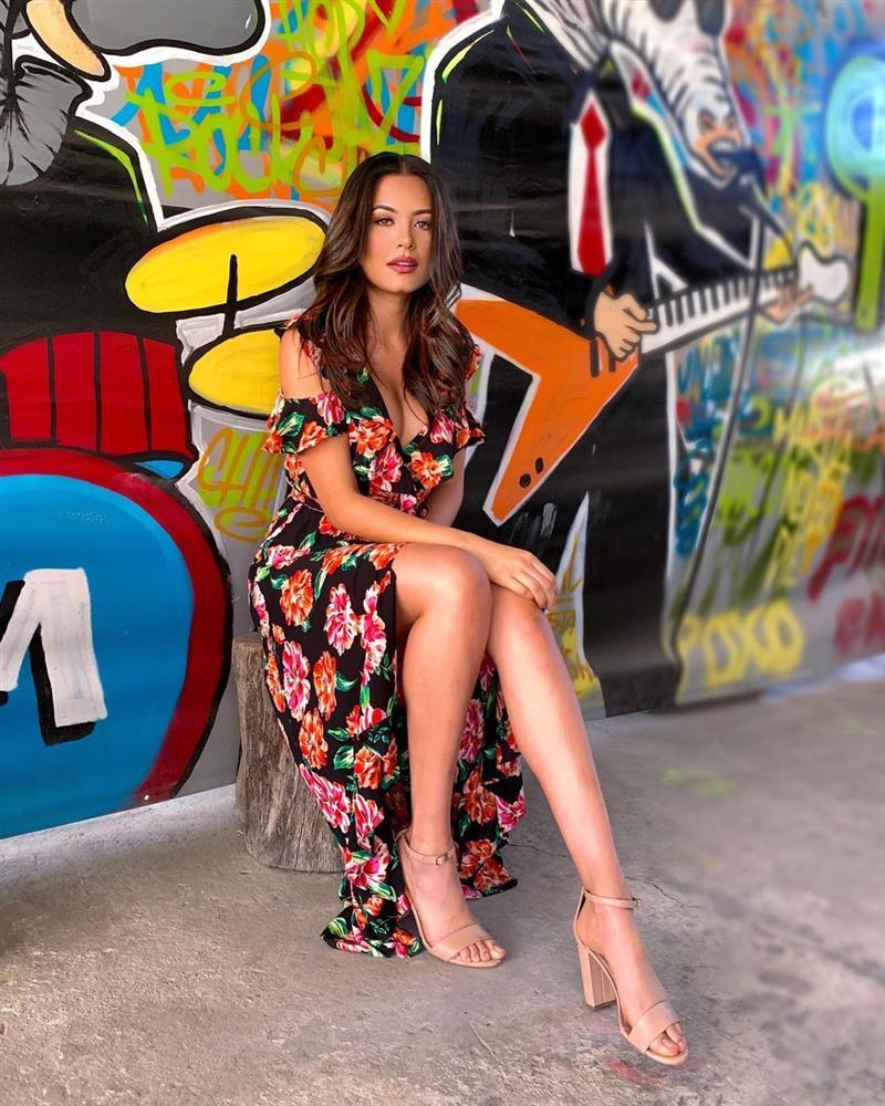 Style đời thường của Tân Hoa hậu Hoàn vũ Mexico: Chuẩn bánh bèo chúa khi diện toàn váy áo hoa lá hẹ-12