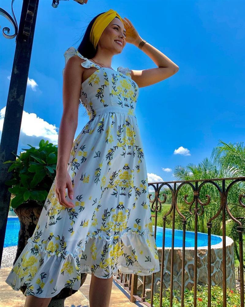 Style đời thường của Tân Hoa hậu Hoàn vũ Mexico: Chuẩn bánh bèo chúa khi diện toàn váy áo hoa lá hẹ-13