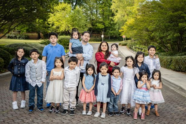 Một bà mẹ đã sinh liền tù tì 16 người con, cách đặt tên con khiến ai nấy ngạc nhiên-3