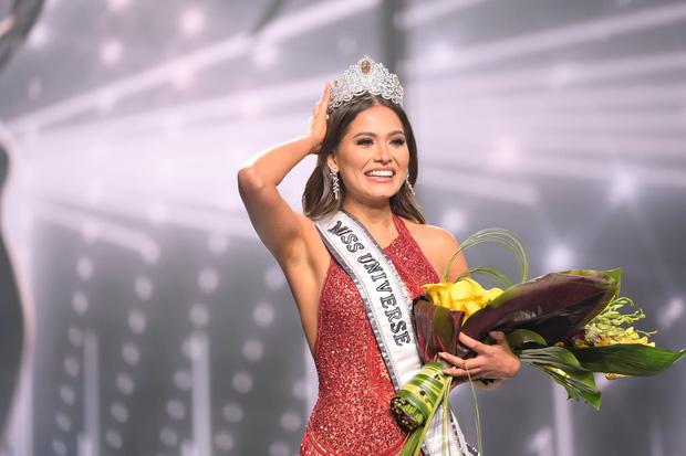 Miss Universe 2020 vừa đăng quang đã bị tố vi phạm luật thi vì kết hôn 2 năm trước, thực hư ra sao?-7