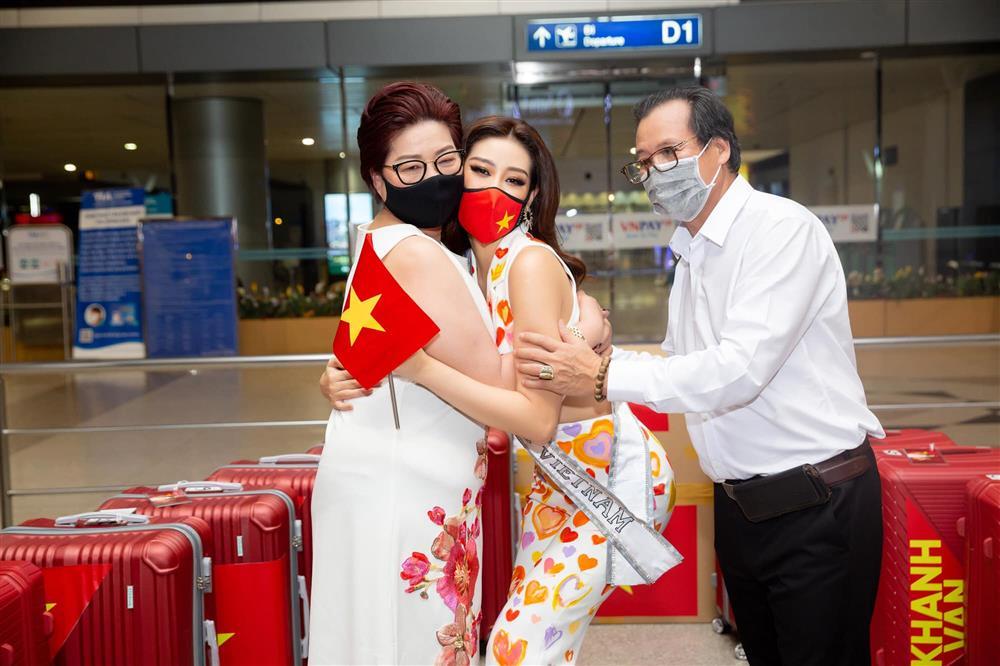 Khánh Vân từng trả lời: Em chẳng có gì ngoài một trái tim yêu thương, xem cách bố mẹ dạy mới hiểu tại sao hoa hậu luôn được khen đẹp cả người cả nết-3
