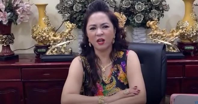Vy Oanh đáp trả đại gia Nguyễn Phương Hằng: Hãy trở về đúng vị trí của mình thôi cô!-1