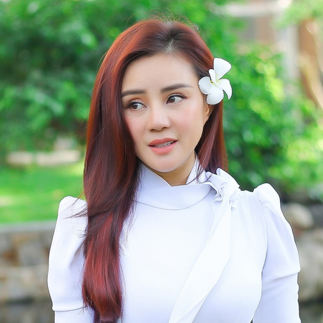 Vy Oanh đáp trả đại gia Nguyễn Phương Hằng: Hãy trở về đúng vị trí của mình thôi cô!-2