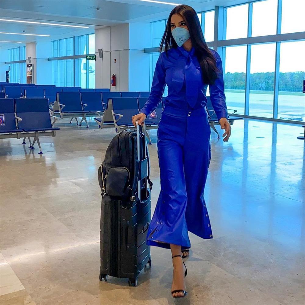 Á hậu 1 Miss Univese 2020 từng diện bộ quốc phục nhức nhối, hành trang chinh chiến chỉ hơn 10 bộ đồ-1