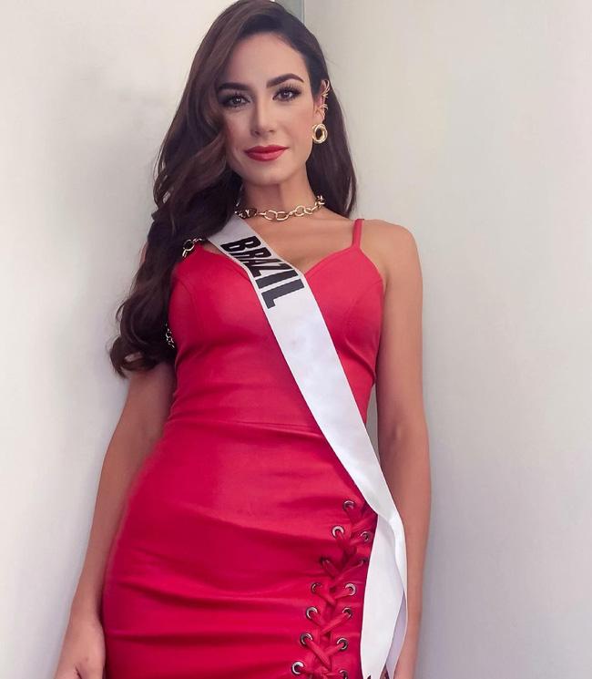 Á hậu 1 Miss Univese 2020 từng diện bộ quốc phục nhức nhối, hành trang chinh chiến chỉ hơn 10 bộ đồ-11