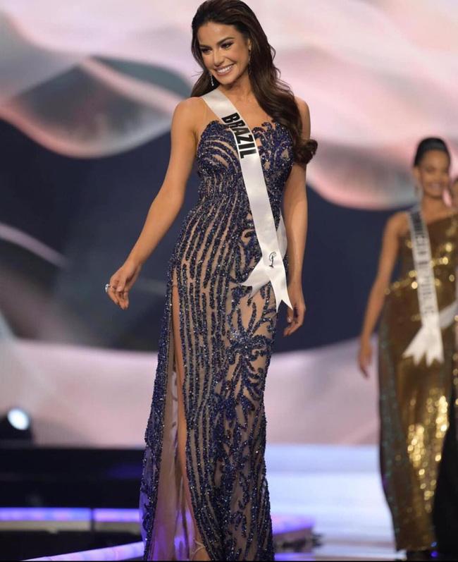Á hậu 1 Miss Univese 2020 từng diện bộ quốc phục nhức nhối, hành trang chinh chiến chỉ hơn 10 bộ đồ-15