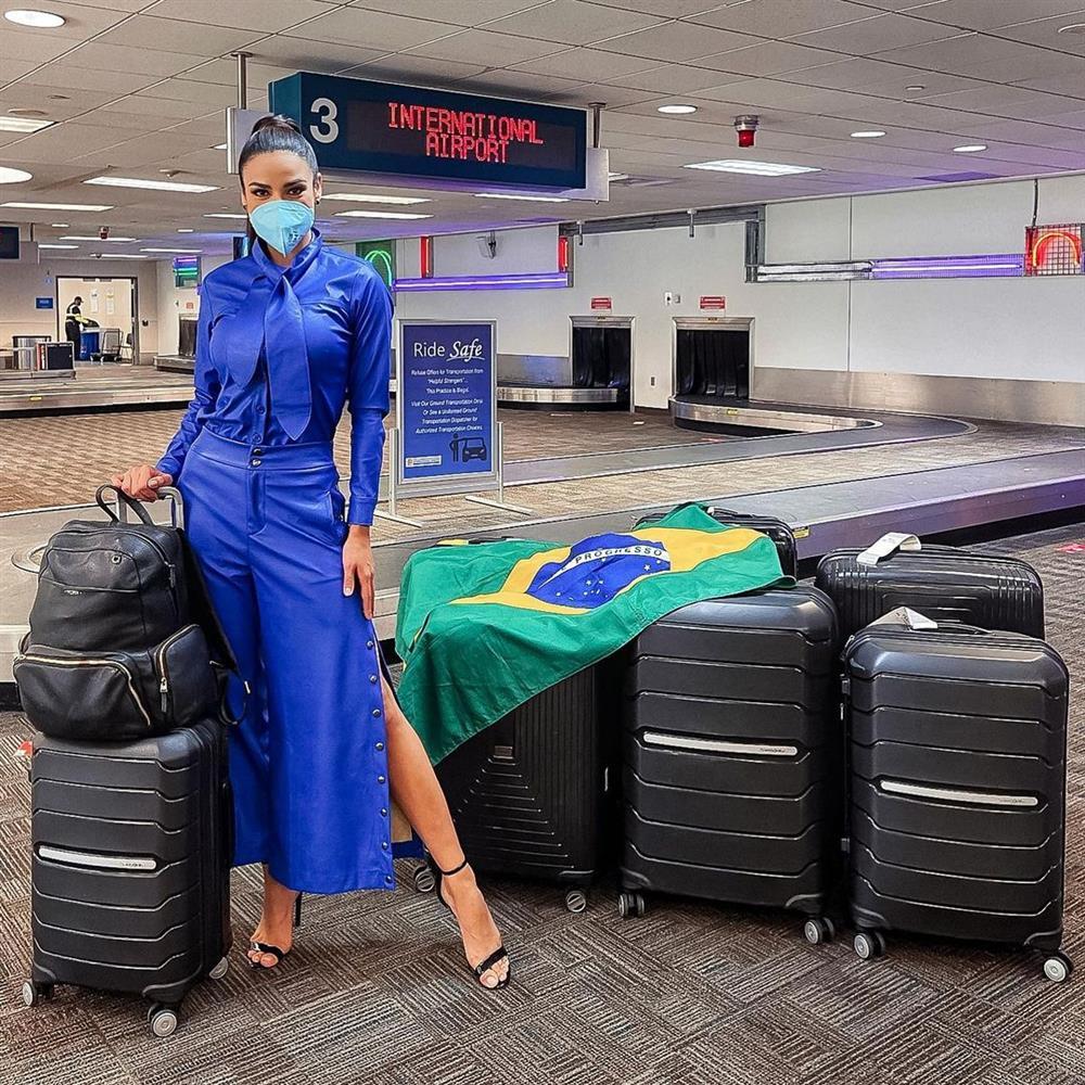 Á hậu 1 Miss Univese 2020 từng diện bộ quốc phục nhức nhối, hành trang chinh chiến chỉ hơn 10 bộ đồ-2