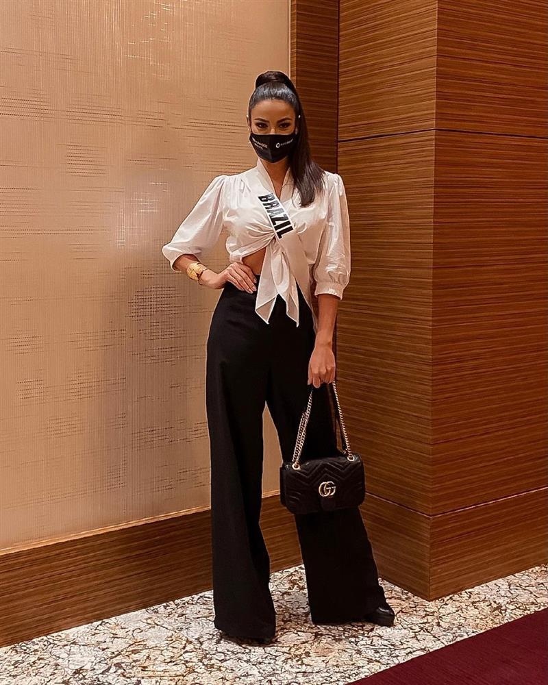 Á hậu 1 Miss Univese 2020 từng diện bộ quốc phục nhức nhối, hành trang chinh chiến chỉ hơn 10 bộ đồ-3