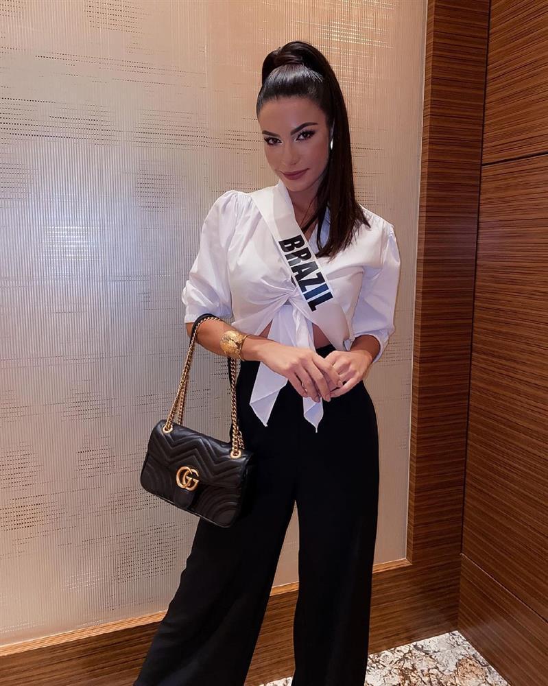 Á hậu 1 Miss Univese 2020 từng diện bộ quốc phục nhức nhối, hành trang chinh chiến chỉ hơn 10 bộ đồ-4