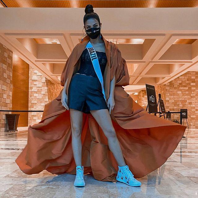 Á hậu 1 Miss Univese 2020 từng diện bộ quốc phục nhức nhối, hành trang chinh chiến chỉ hơn 10 bộ đồ-5