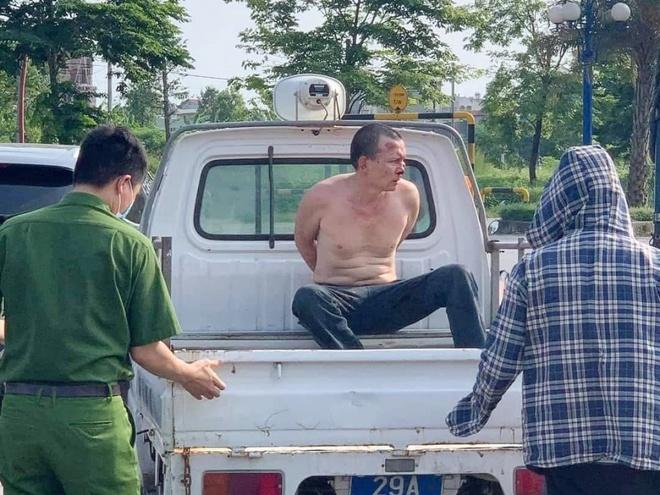 Kỷ luật công an đứng nhìn tài xế taxi vật lộn với tên cướp-2