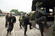 Bộ Công an chi viện 300 cảnh sát cơ động đến Bắc Giang hỗ trợ dập dịch Covid-19