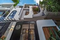 Có mảnh đất 75m2, vợ chồng Đà Nẵng xây nhà cực khéo: Trong nhà nghe tiếng nước chảy, ngoài vườn nghe tiếng chim hót