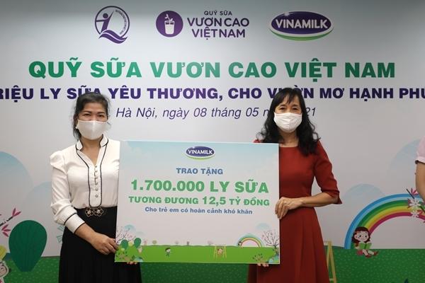 Vinamilk dành quỹ 2 triệu sản phẩm hỗ trợ cộng đồng và tuyến đầu chống dịch-5