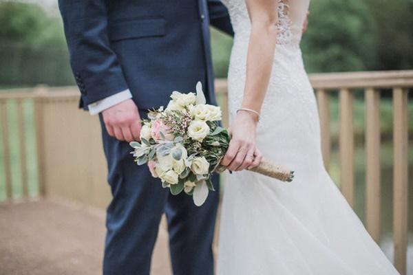 Được cầu hôn bằng nhẫn kim cương, người phụ nữ vừa đồng ý đã phẫn nộ hủy hôn khi phát hiện âm mưu bố mẹ ruột và chồng sắp cưới làm sau lưng mình-1