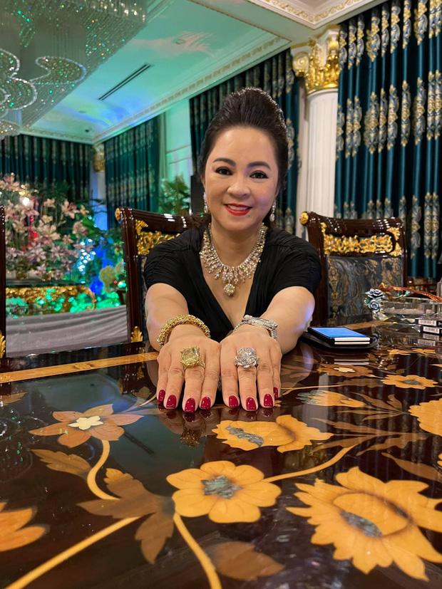 Loạt ảnh toát ra mùi tiền của giới siêu giàu Việt Nam, đáp án nhanh nhất cho câu hỏi: Thế nào là giàu dữ dội?-15