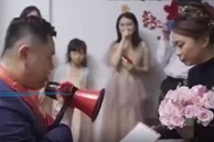 Vào phòng đón dâu, chú rể hầm hầm xé luôn bản lời thề hôn nhân trước mặt quan khách và cú 'quay xe' không tin nổi