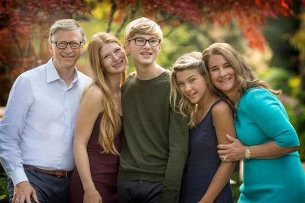 Giữa lùm xùm tình ái của chồng cũ, vợ tỷ phú Bill Gates có động thái mới với sự toan tính đầy khôn ngoan-2