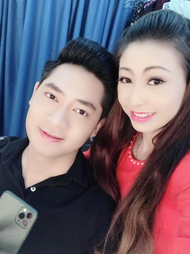 Nữ ca sĩ tự nhận là vợ chưa từng công khai của Hoài Linh kèm bằng chứng, lên tiếng để bảo vệ nam NS trước bà Phương Hằng?-9