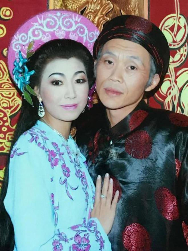 Nữ ca sĩ tuyên bố là vợ Hoài Linh, thay chồng đối mặt với bà Phương Hằng là ai?-2