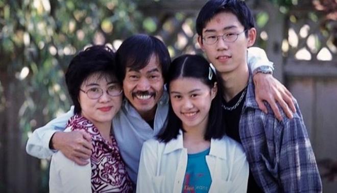 Tài tử Tuyệt đỉnh Kungfu: Tuổi 71 sức khỏe suy yếu, bệnh tật đầy người, râu tóc bạc trắng-5