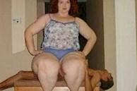 Chuyện hy hữu mà có thật: Người phụ nữ nặng 100kg giết chết chồng vì quá béo, tư thế gây án 'không đỡ nổi'