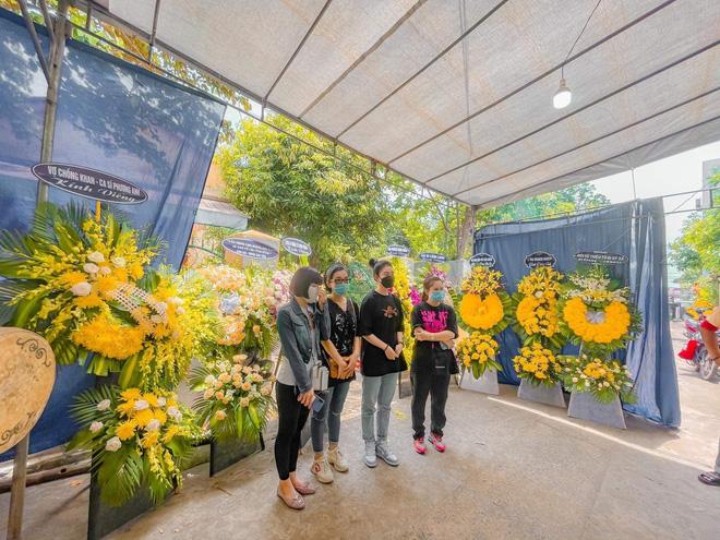 Sao Việt xót xa đến tiễn biệt, người thân tiết lộ ngày tháng cuối đời của NTK Nhật Dũng-8