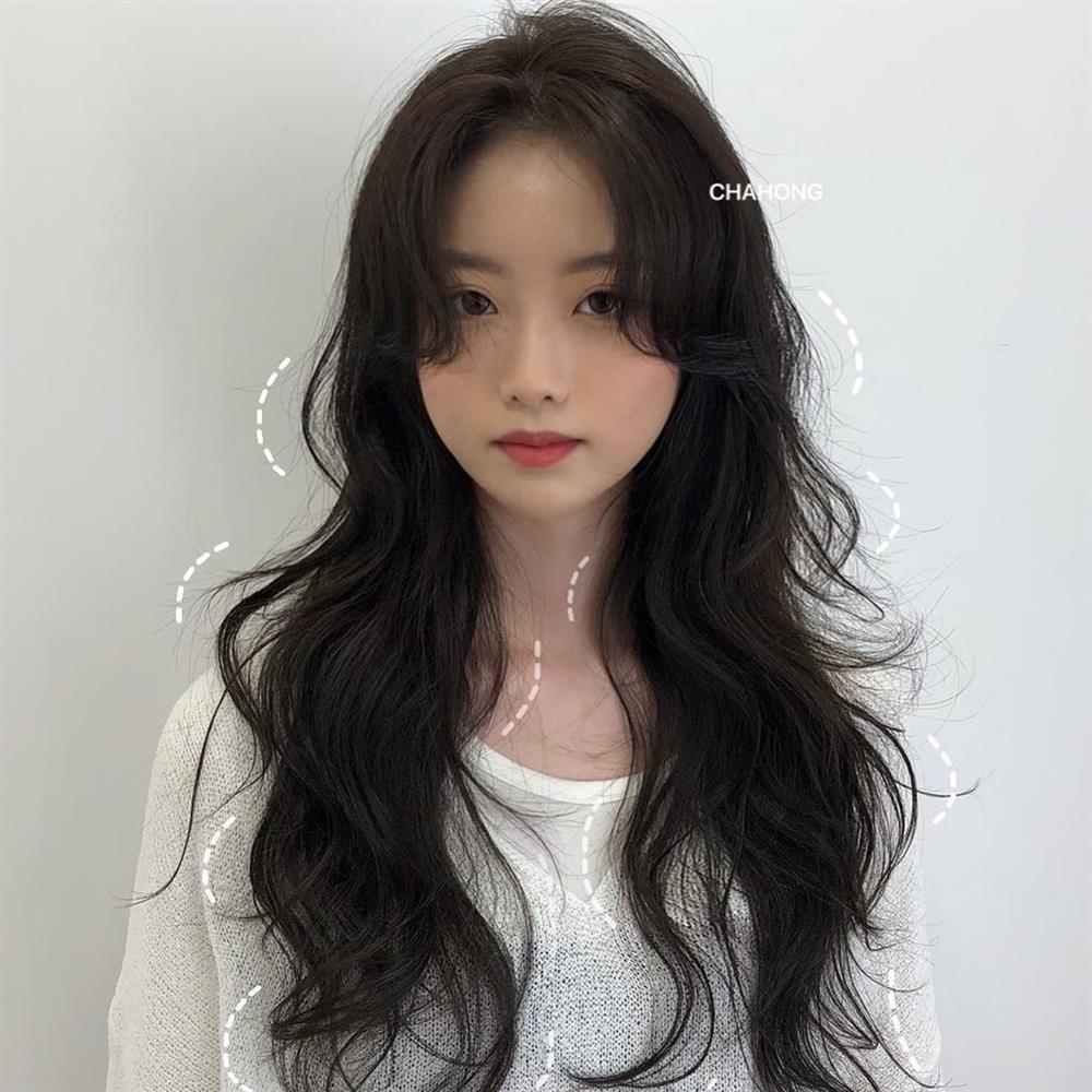 2 kiểu tóc uốn siêu đẹp mà không sợ già và còn chẳng mất nhiều thời gian chăm sóc-6