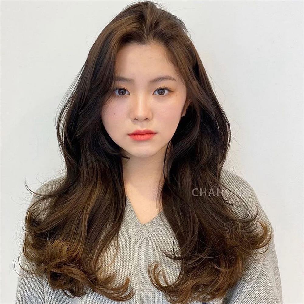 2 kiểu tóc uốn siêu đẹp mà không sợ già và còn chẳng mất nhiều thời gian chăm sóc-13