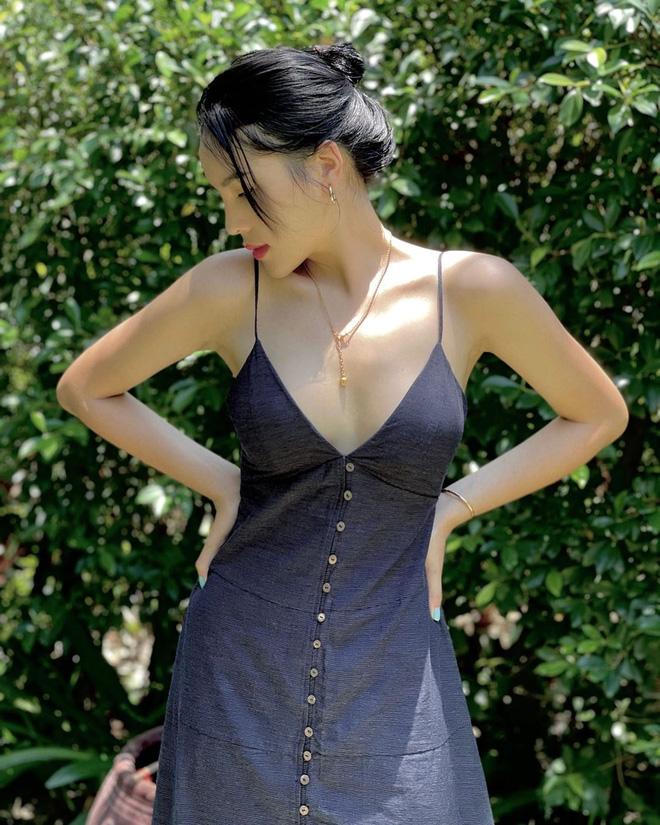 5 kiểu váy hai dây được mỹ nhân Việt ưa chuộng: Dễ tìm mua nhưng hiệu quả tôn dáng không phải dạng vừa!-5