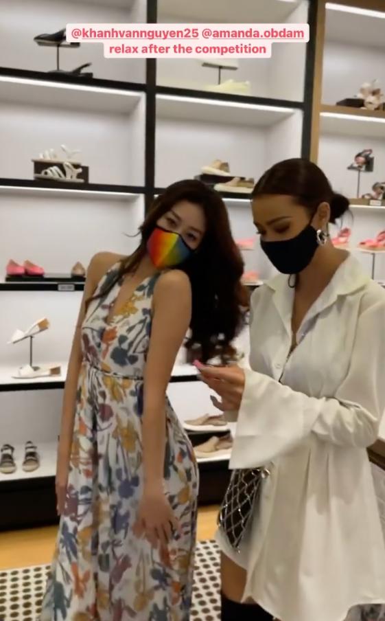 Style đời thường của Khánh Vân trái ngược hẳn với phong cách lồng lộn khi nàng hậu đi thi Miss Universe-5