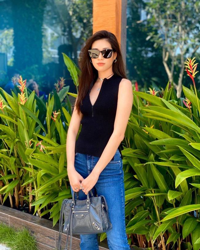 Style đời thường của Khánh Vân trái ngược hẳn với phong cách lồng lộn khi nàng hậu đi thi Miss Universe-12