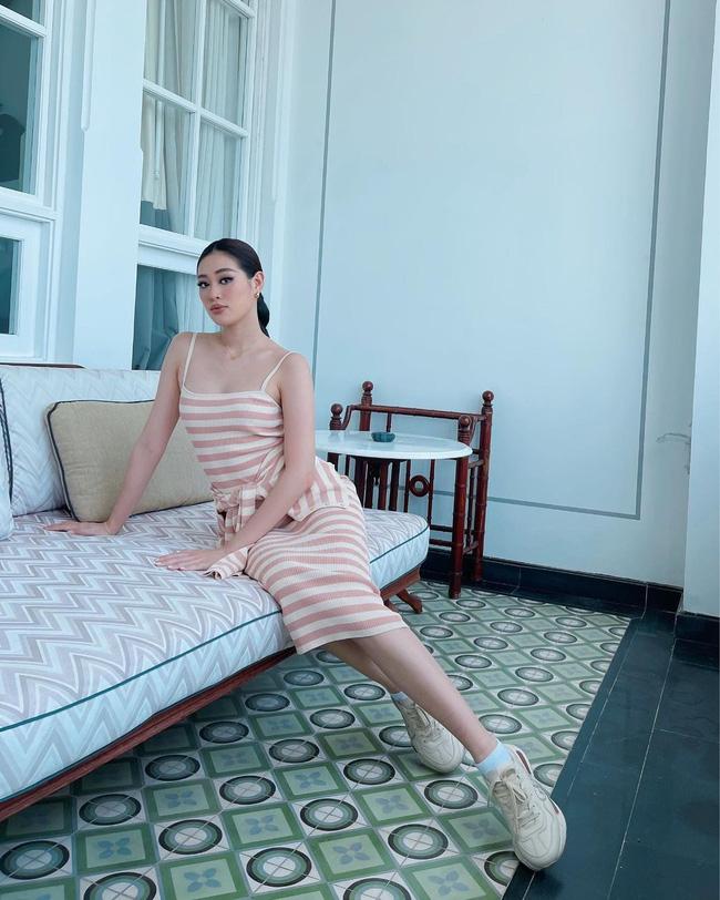 Style đời thường của Khánh Vân trái ngược hẳn với phong cách lồng lộn khi nàng hậu đi thi Miss Universe-14