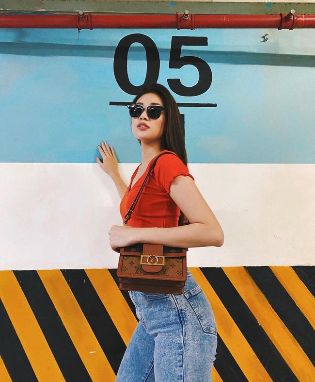 Style đời thường của Khánh Vân trái ngược hẳn với phong cách lồng lộn khi nàng hậu đi thi Miss Universe-11