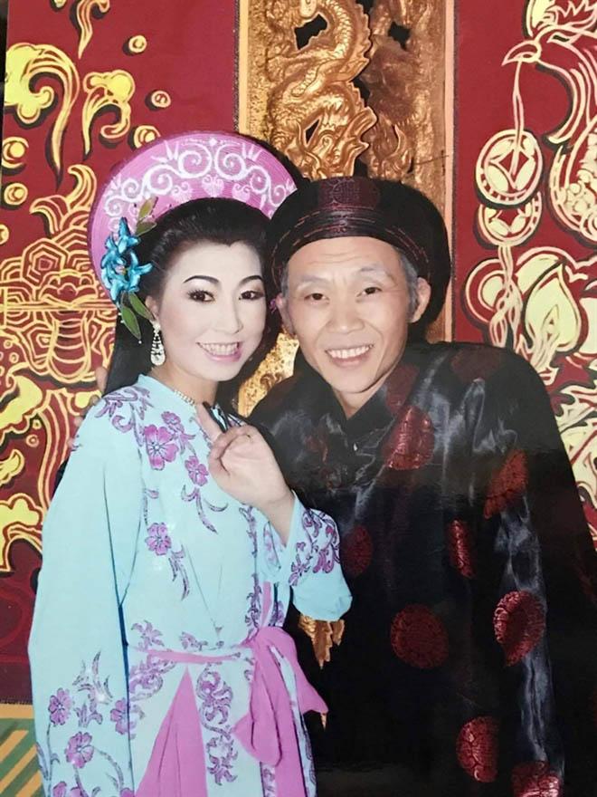 Người nhận là vợ Hoài Linh, đối mặt với bà Phương Hằng thân thiết thế nào với chồng?-7
