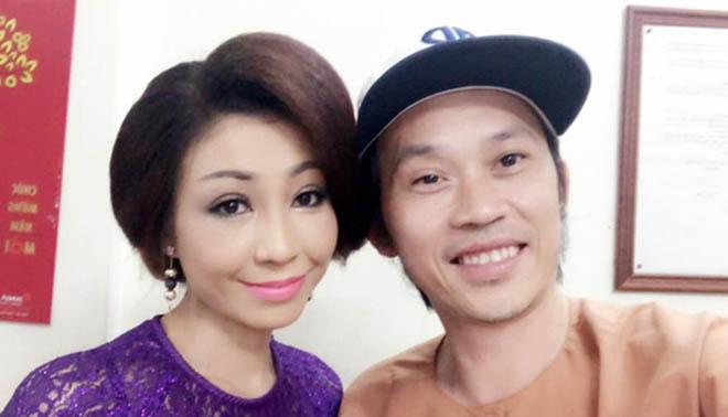 Người nhận là vợ Hoài Linh, đối mặt với bà Phương Hằng thân thiết thế nào với chồng?-9