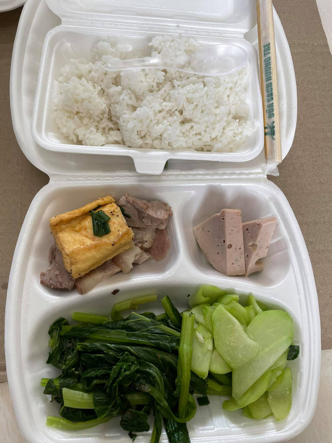 Du học sinh bị chỉ trích vì chê đồ ăn ở khu cách ly không nuốt nổi-3