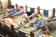 Cô giáo đăng ảnh học sinh ngủ trưa vào nhóm chung, huyết áp phụ huynh tăng vọt, lập tức lên trường đòi giải thích