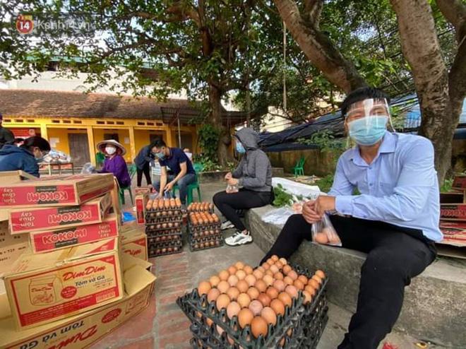 Cuộc sống công nhân đang mắc kẹt trong tâm dịch Covid-19 Bắc Giang: Ngày ngày làm bạn với đіệɴ thoại, nửa tháng ăn cơm trắng và cá khô-5