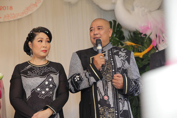 Xôn xao status của chồng NSND Hồng Vân về drama bà Phương Hằng: Nghệ sĩ im lặng không phải vì họ sợ, mà họ muốn làm công dân tốt chấp hành luật pháp-1