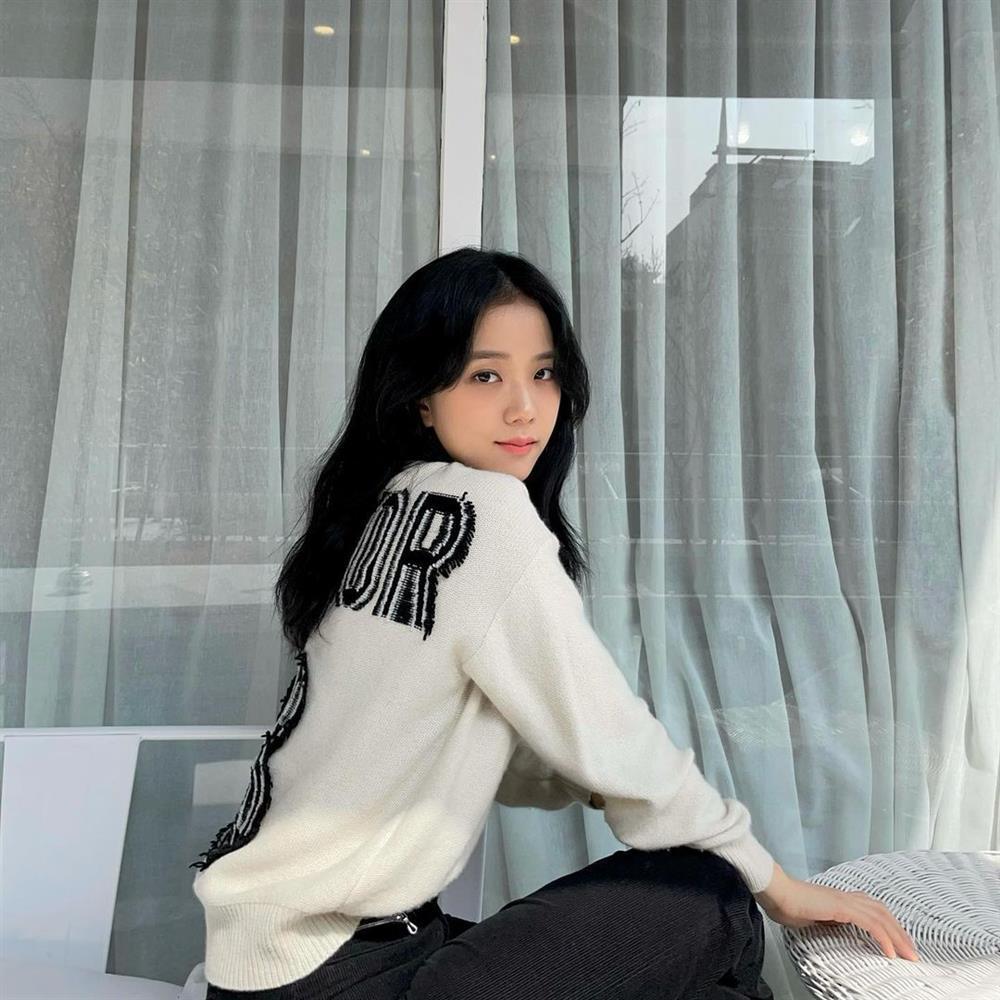 Mái ngố lỗi thời rồi, tóc mái rèm cửa Hàn Quốc mới chiếm sóng hiện nay!-3